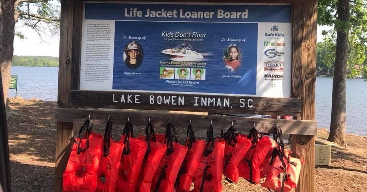 Hitting the lake? Borrow a life jacket for free!
